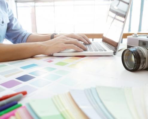 Design-Erstellung im Layout- und Grafik - Büro
